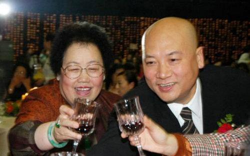 迟重瑞/揭86版《西游记》演员私家照 孙悟空妻美艳唐僧成老总