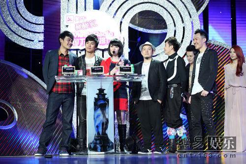 "...011musicradio中国top排行榜\""港台地区年度最受欢迎乐团奖."