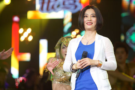 杨钰莹与李玲玉_李玲玉杨钰莹两代甜歌皇后《歌声传奇》大pk