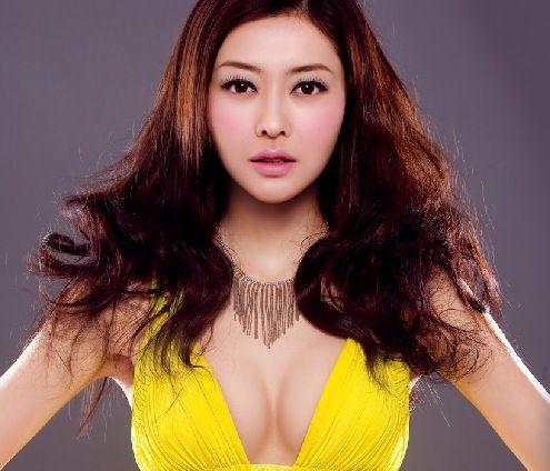 最骚的女星_成龙老婆林凤娇曾当伴舞 揭中老年女星现状