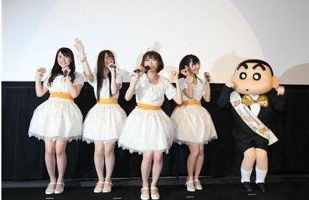 (左起)小森美果,菊地凌香,浦野一美,渡边麻友,