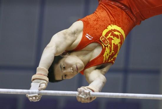 图文-体操男子奥运选拔赛