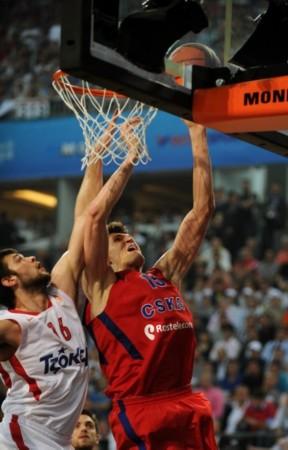 高清组图]欧洲篮球联赛 莫斯科中央陆军夺冠写真