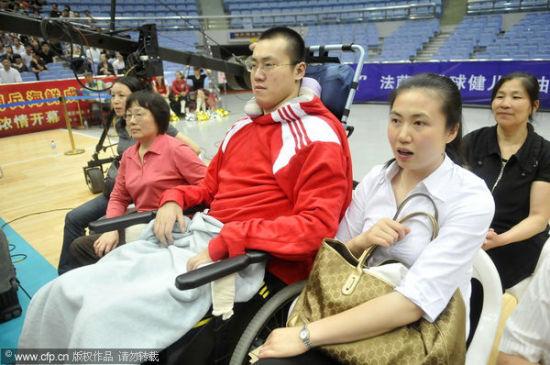周苏红汤淼幸福生活回顾 两人观看排球比赛