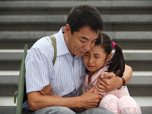 女儿回娘家与父亲搡b