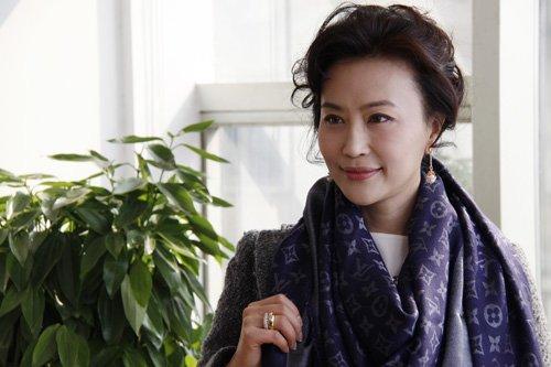宝贝计划 后期近尾声 乔红饰演前卫丁克女