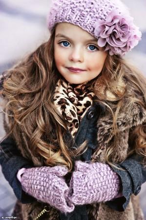 4岁超模米兰 库尔尼科娃私房萌照 秒杀所有女明星