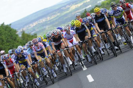 环法自行车赛第7赛段赛况 大部队比赛中齐头并进