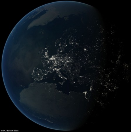 夜间欧洲亮点星罗棋布图片