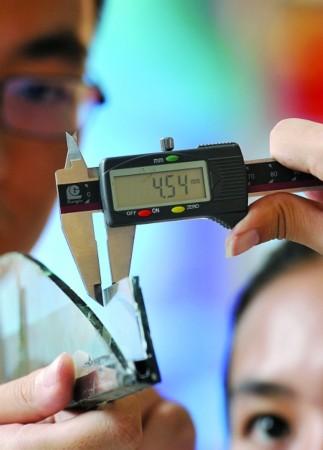 厂商生产瘦身玻璃厚度不足 不符国标存隐患