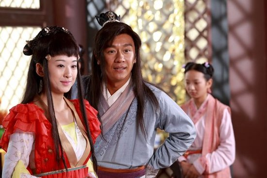 陈浩民在剧中扮演樵夫刘海,历经千难万险之后终于斗倒金蟾大仙谭耀文图片