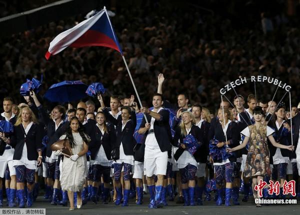 间7月27日,2012年伦敦奥运会,开幕式隆重举行.图为捷克运动员图片