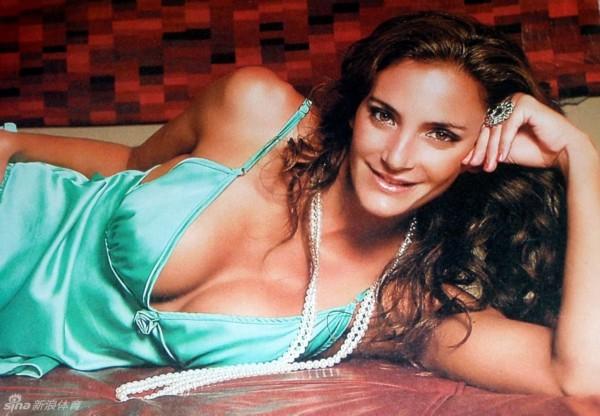 阿根廷女曲花旦性感写真