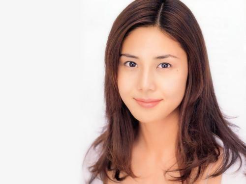 松岛菜菜子稳居日女星片酬榜首
