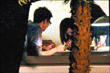 刘嘉玲/刘嘉玲开派对宾客吸白粉
