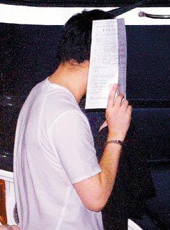李宗瑞岳不撸_李宗瑞因涉五年以上重罪被裁羁押禁见