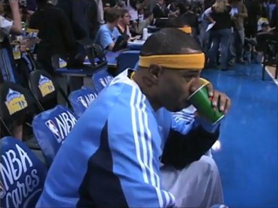 美媒评21世纪NBA十大纹身 肯扬马丁 脖上之吻