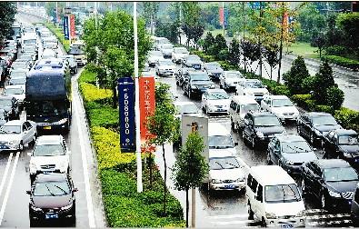 """太原/""""我在太榆路晋阳街口堵了近1小时了。"""""""