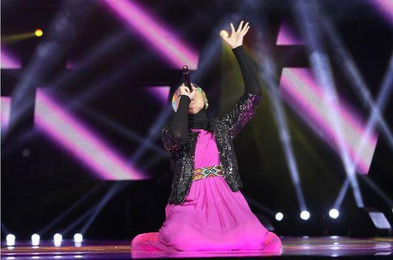 茜拉征服_南海网 新闻中心 娱乐新闻 娱乐八卦    茜拉一曲《征服》征服全场.