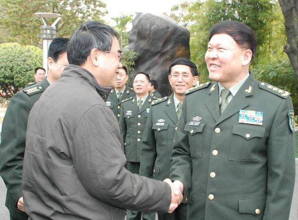 军事资讯_南海网 新闻中心 军事新闻 中国军情    资料图:张阳上将会见政府领导