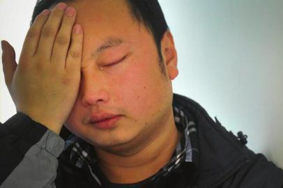 德阳:不让英雄教师流泪 妻子患病他收到21万爱心款图片
