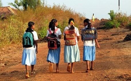 印度女大学生照片_女生尿裤子的图片_男生被女生扒裤子玩鸡_女生上厕所提裤子图片 ...