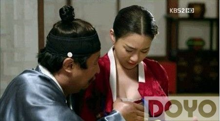 韩剧猥琐摸乳镜头 被批太情色