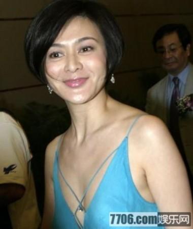 关之琳/47岁的关之琳现在已成为了亿万富婆,为了不再捱夜拍戏,日前她...