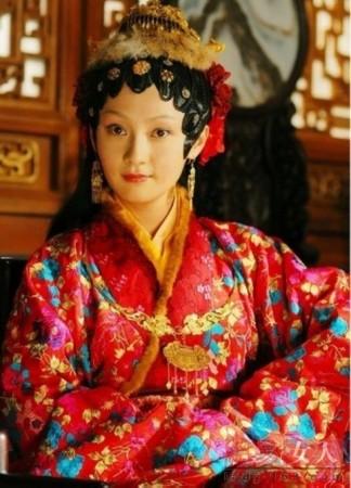 杨幂版晴雯高圆圆演周芷若 电视剧翻拍女主角经典造型盘点