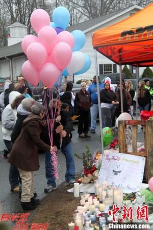 美国康涅狄格为小学击案遇难者开展大规模悼念活动