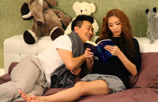 《小两口》再曝吴樾韩彩英亲密床照