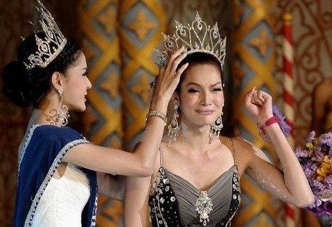 南海网 新闻中心 娱乐新闻 明星聚焦    泰国人妖皇后令人惊艳   12月