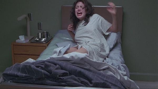 朱莉吸毒后拍性爱影片遭皮特查 早年大尺度剧