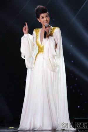 新民歌演唱会北京落幕 萨顶顶张玮合唱新歌
