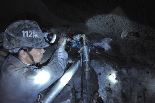 这就是龙煤集团鹤岗分公司益新矿112开拓队,让我们走进这支队伍,认识