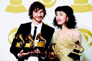 比利时裔澳大利亚歌手戈季耶获得年度最佳唱片奖美国纽约...