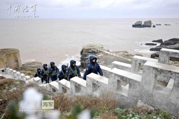 """素有""""上海第一哨""""之称的海军东海舰队某水警区佘山观通站守岛官兵"""