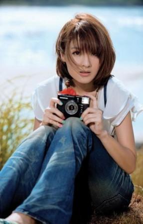 ...情歌的代表,也是都会女声最佳代言人.   郭采洁(1986年2月19... (10)