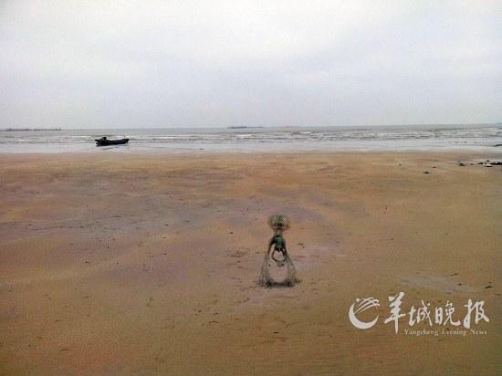 湛江海边拍到疑似外星人和ufo 真实性有待商榷(图)
