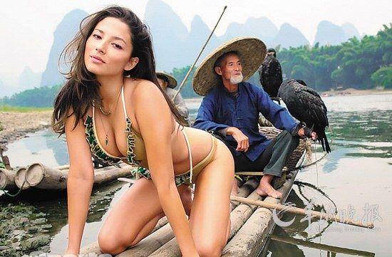 超模美女桂林拍写真宽衣解带引质疑图