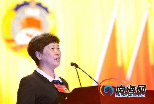 政协海口市第十三届三次会议开幕 韩美作报告