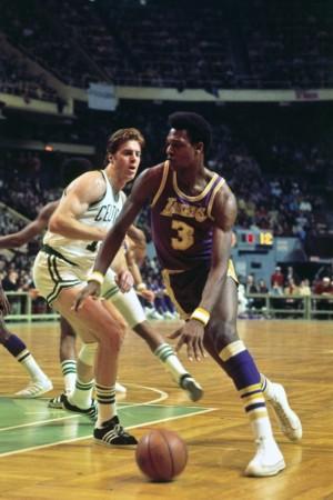 坎比/1993年11月20日,奥尼尔在对阵篮网的比赛中豪取24分28个篮板...