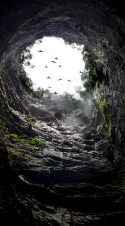 美国的克莱斯勒大厦.摄影师艾米说,只有最有经验的洞穴探险高清图片