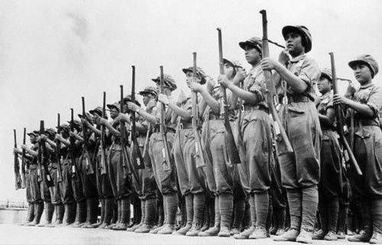 【反击侵略者】:抗战时期飒爽英姿的国军女兵! - 群言 - 闫西群博客