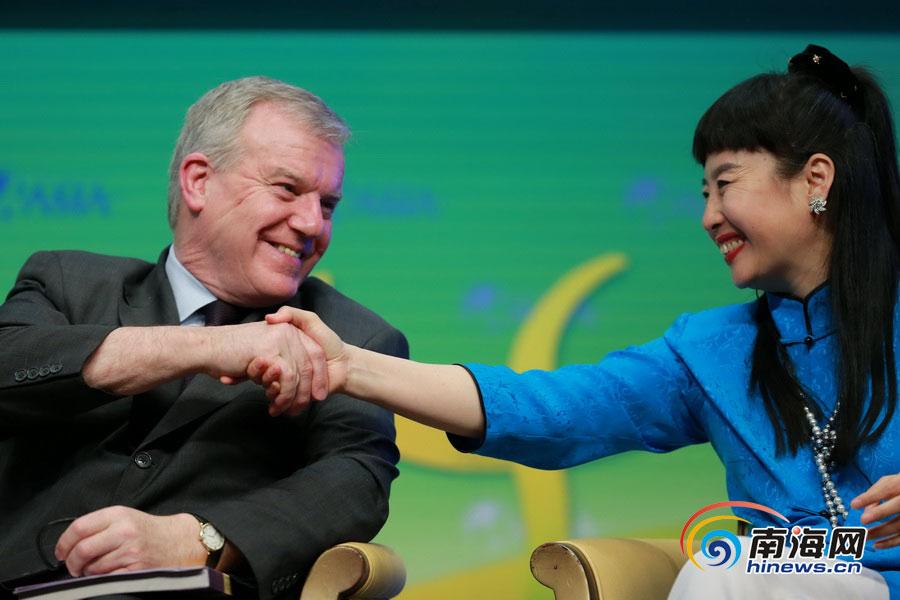 博鳌图片:热议微信刘庆峰哈哈大笑吓傻了的表情真人表情图片