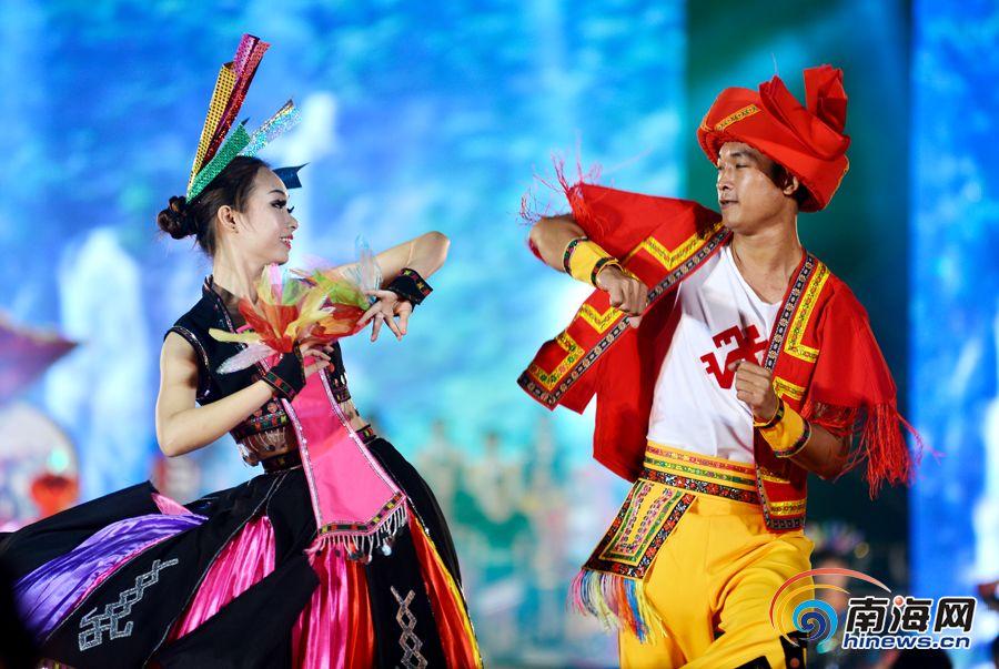 白沙乡村旅游文化节开幕 黎苗同胞狂欢庆三月三图片