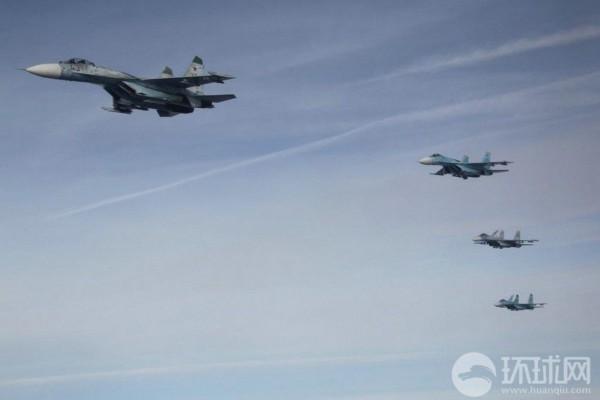组图:俄罗斯空军展示精锐战机部队训练照片