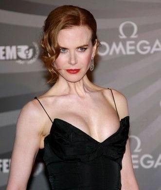 Новая грудь Николь Кидман. . Фото.