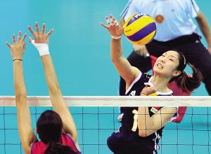 昨天,2013年中国国际女排精英赛深圳站的比赛继续进行,中国女排在0∶2落后的情况下连扳3局以总比分3∶2逆转波多黎各女排。