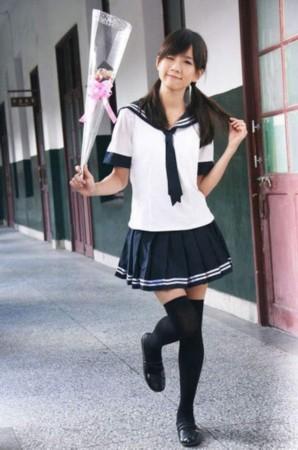 黑丝校服短裙演绎制服